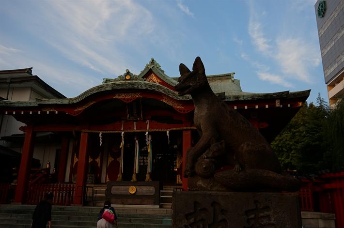 狐の道しるべ、穴守稲荷神社(東京都大田区羽田)