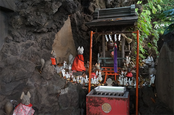 ⑥狐の道しるべ、穴守稲荷神社(東京都大田区羽田)