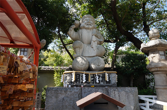 ⑦電気と萌えの街、秋葉原を見守る神田神社(東京都千代田区外神田)
